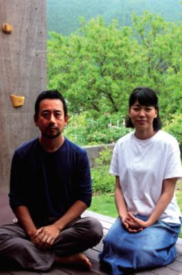「温暖化により、自然の遊び場が年々減っている」と話す田中さん夫婦